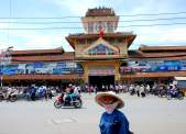 01-Vietnam-Saigon-mercado Binh Tay (1)