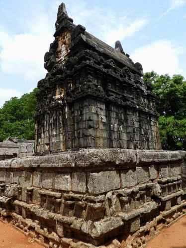 08-Sri-Lanka-Nalanda-Gedige