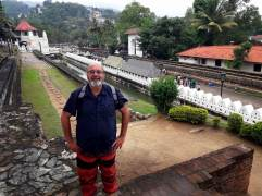 11-Sri-Lanka-Kandy-01