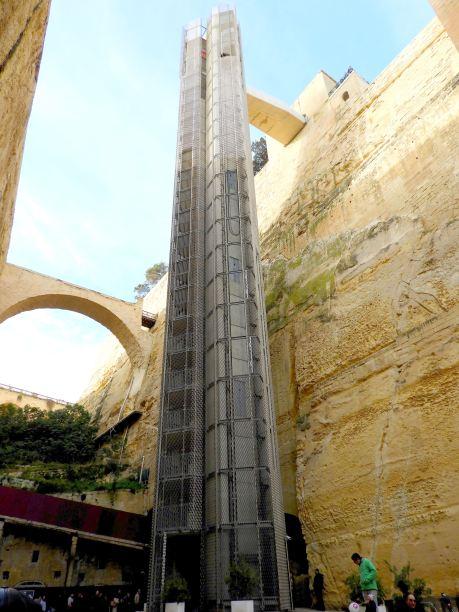 01-Malta-La-Valeta- (47)-Ascensor