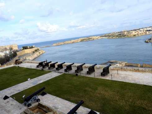 01-Malta-La-Valeta- (48)-Bateria-de-Salvas