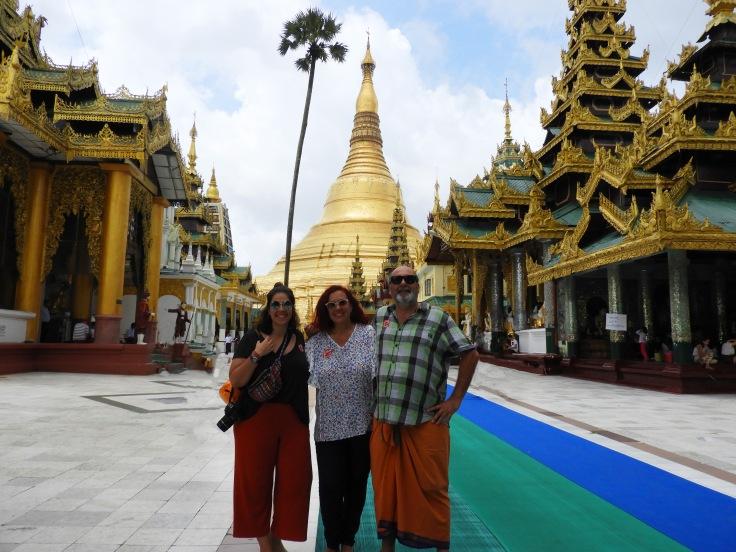 01-Yangon-Shwedagon-Pagoda-00 (77)b