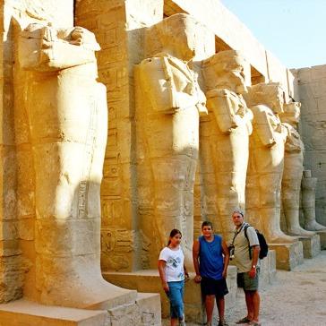 01-Egipto-Karnak-04-templo-Ramses-III
